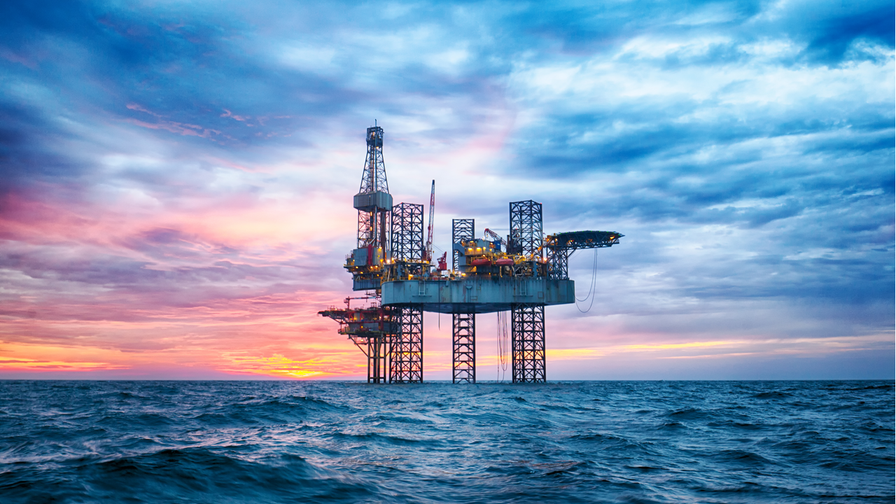 Beautiful picture of an oil rig offshore - oil and gas accident lawyers - lake charles, la - Lundy Lundy Soileau & South